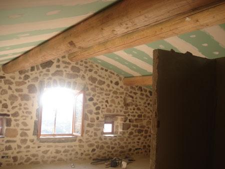 Chazeau (réfection complète de toiture, ouverture d'une nouvelle fenêtre et aménagement intérieur)