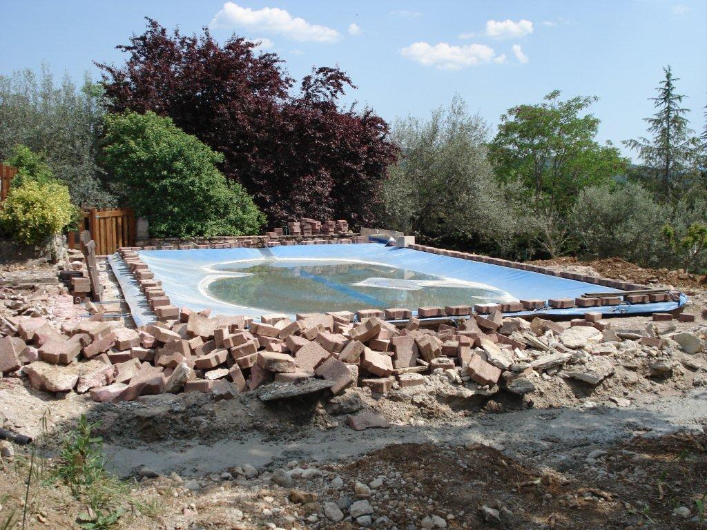 Vinezac Mur piscine et poolhouse 1