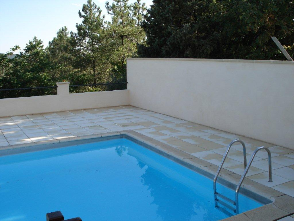 Vinezac Mur piscine et poolhouse 4
