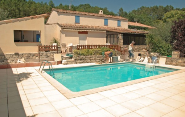 Carrelage piscine Vinezac